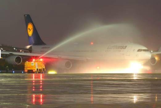 Conheça o interior do A340-300 da Lufthansa que faz a rota Frankfurt ✈ Rio de Janeiro