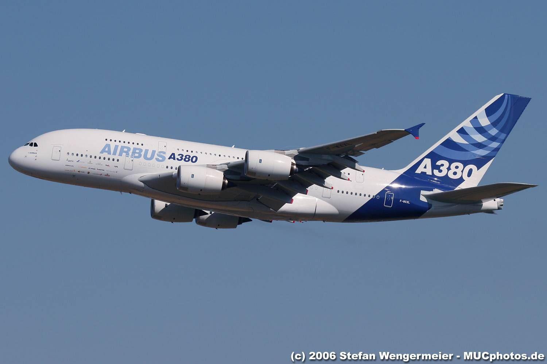 Comparação entre o B747-800 e o A380