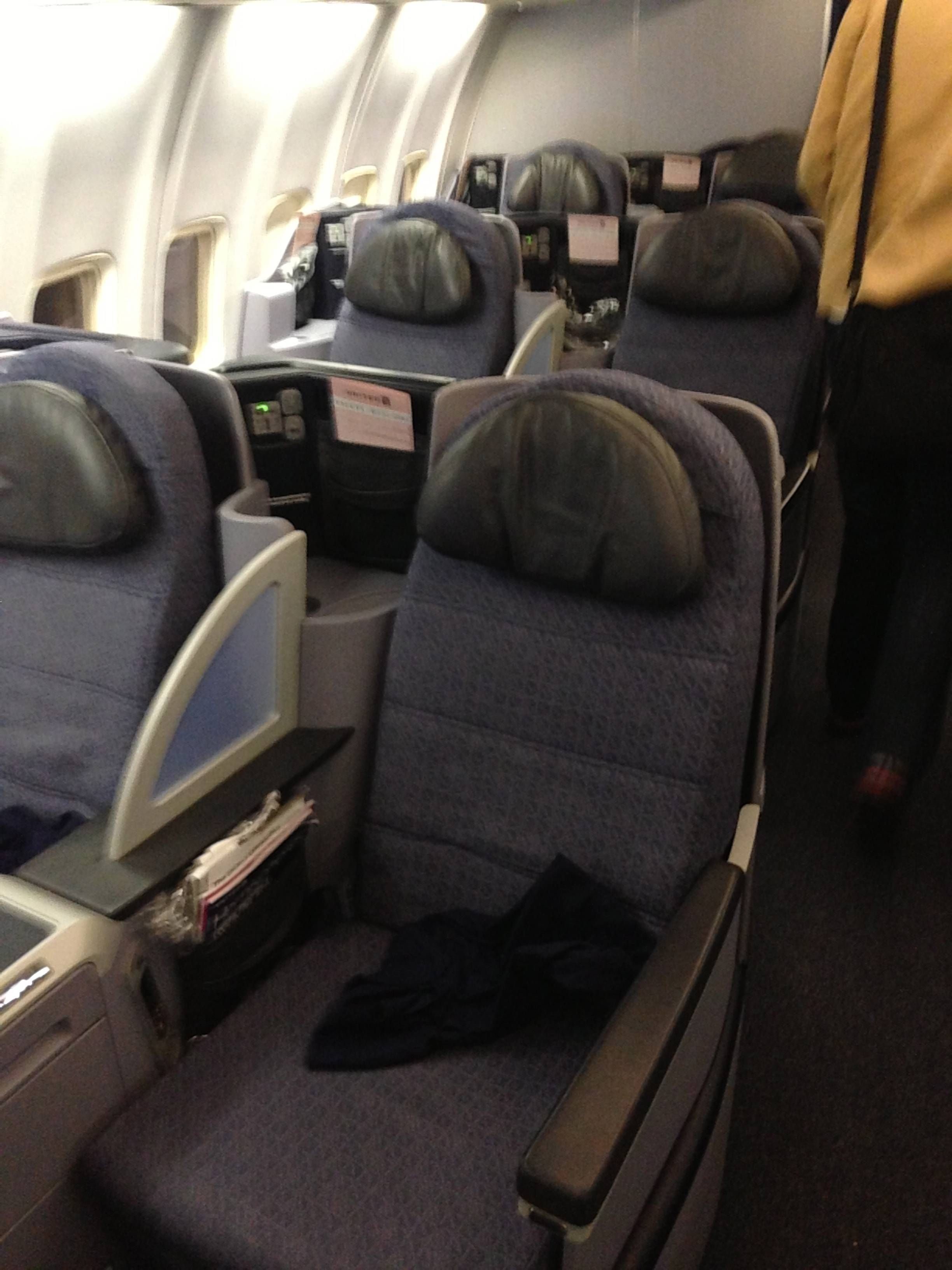 United First 757-200