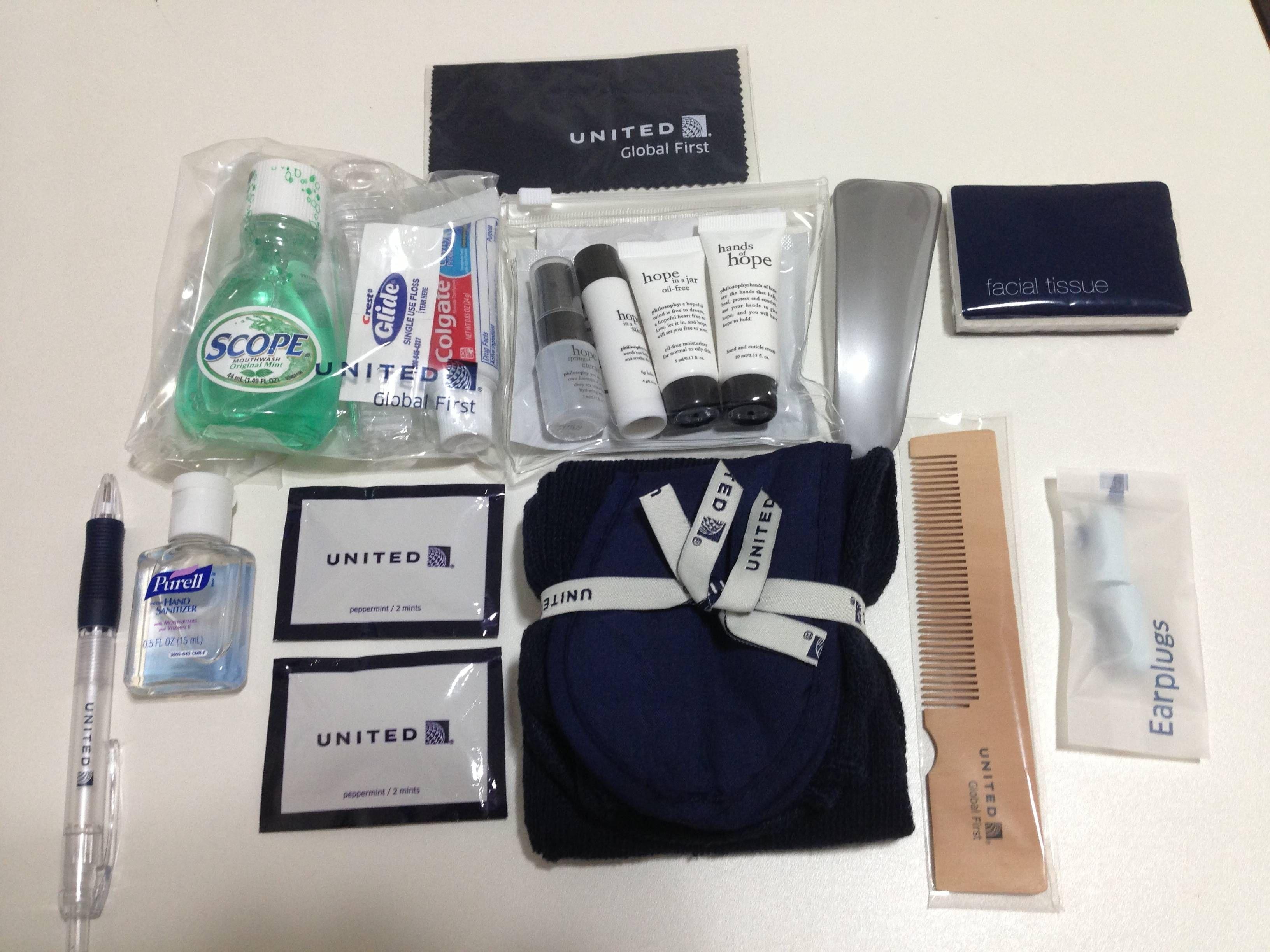 Kit de Amenidades United Primeira Classe - Amenity Kit United Global First
