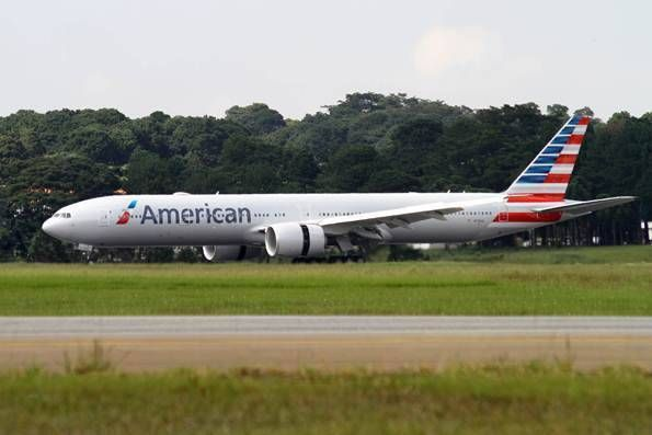 Primeiro Boeing 777-300ER da frota da American Airlines aterrissou esta manhã no Aeroporto de Guarulhos
