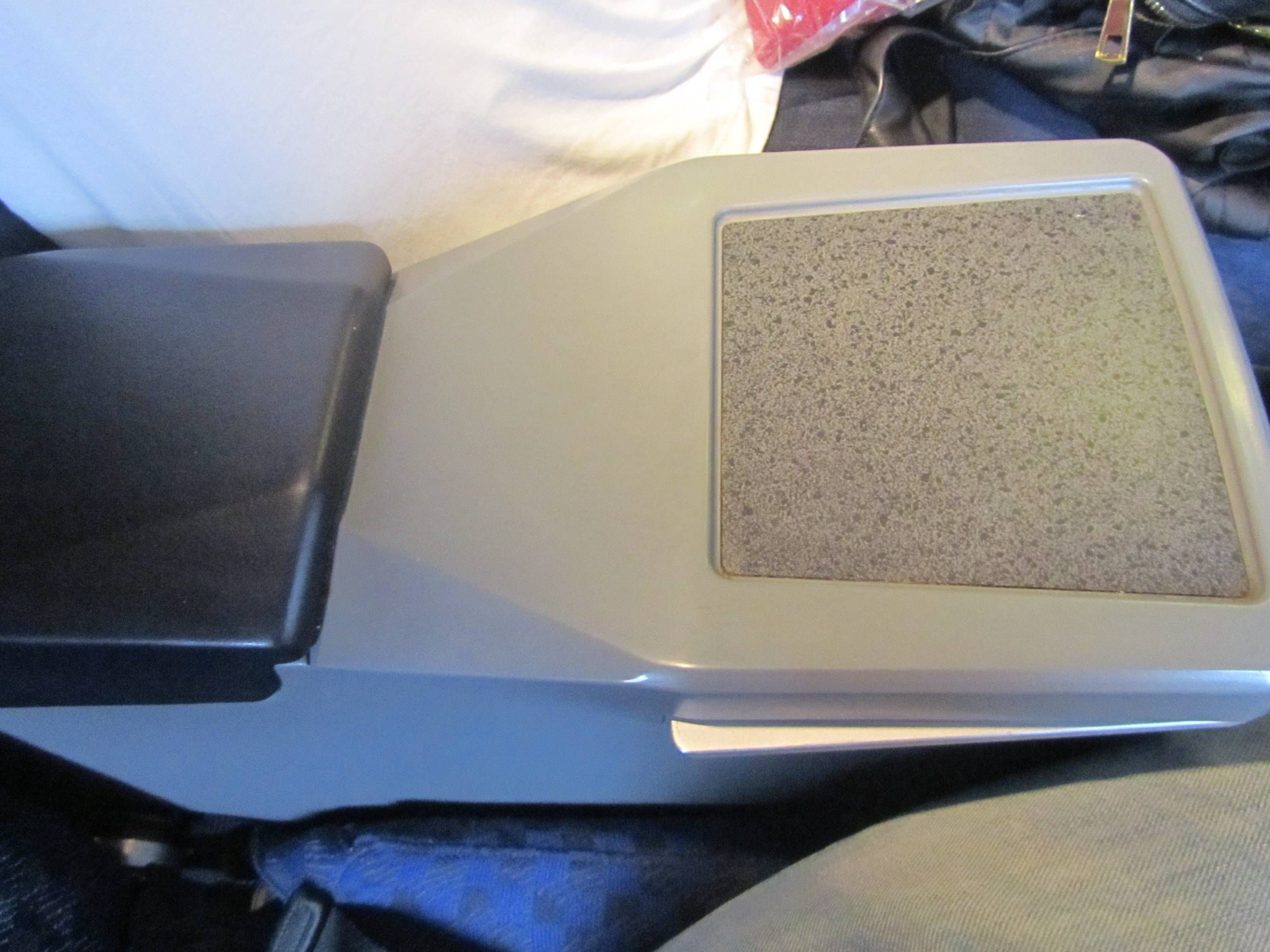 American Airlines First Class MD80 S80