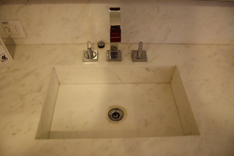 Vários Amenities estavam disponíveis como Shampoo Sabonete Liquido  #C3A808 2816x1880 Banheiro Casal Assim Eu Gosto