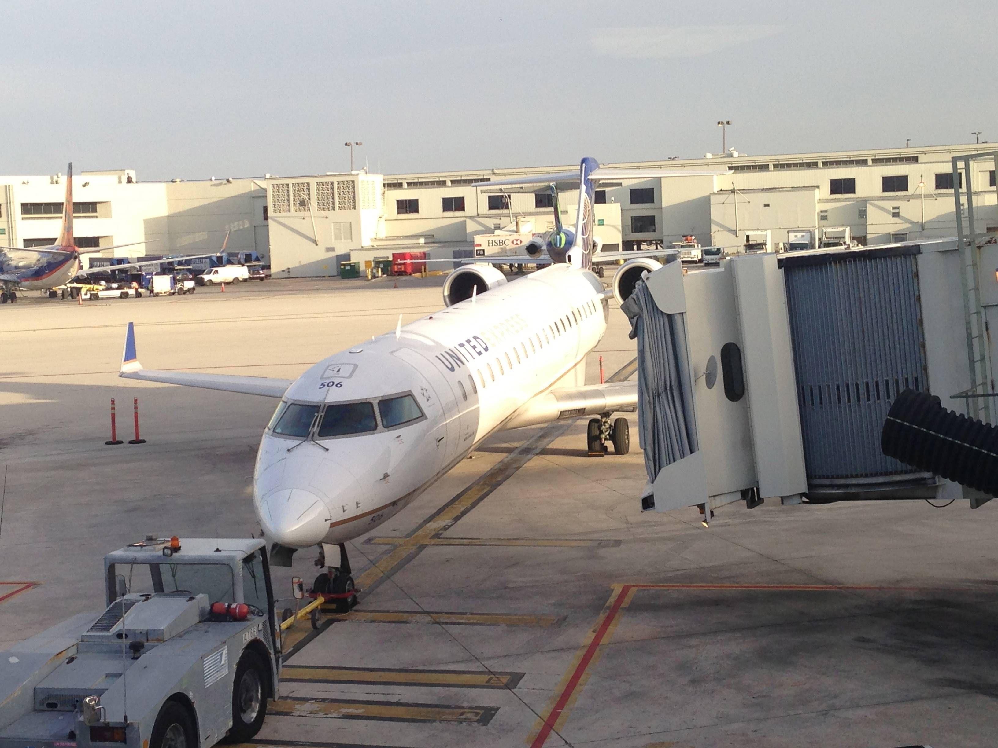 united crj700 first class