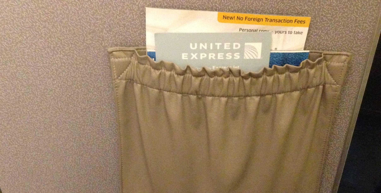 Classe Econômica da United no Embraer 145