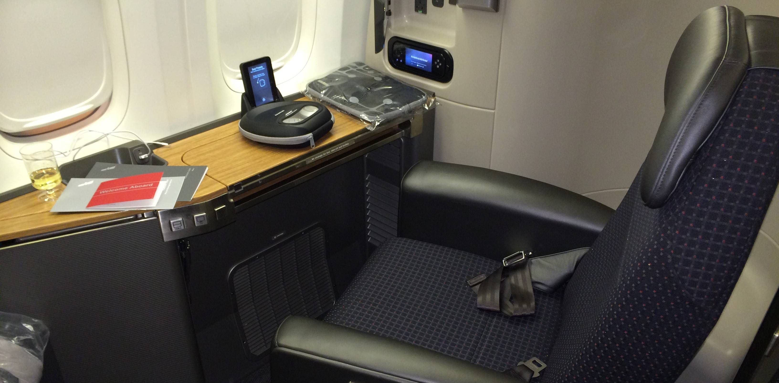 Primeira Classe da American Airlines no Boeing 777-300ER – Flagship Suite