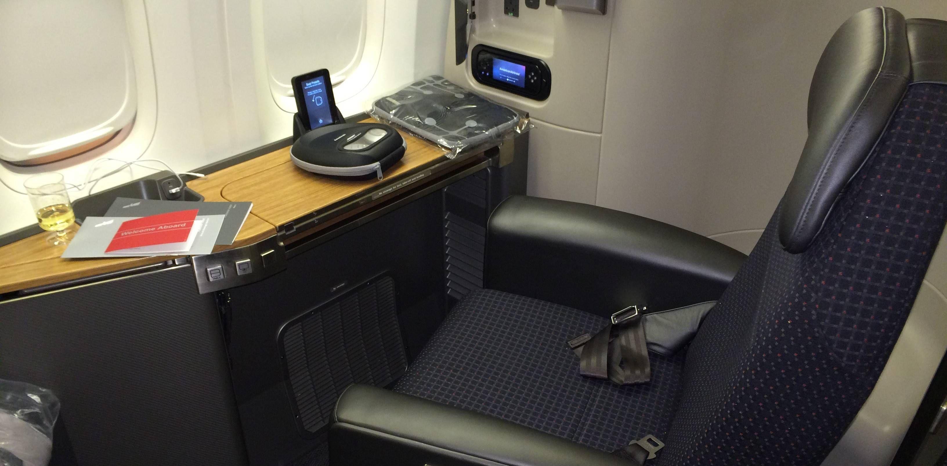 Primeira Classe da American Airlines no Boeing 777-300ER – Flagship Suite