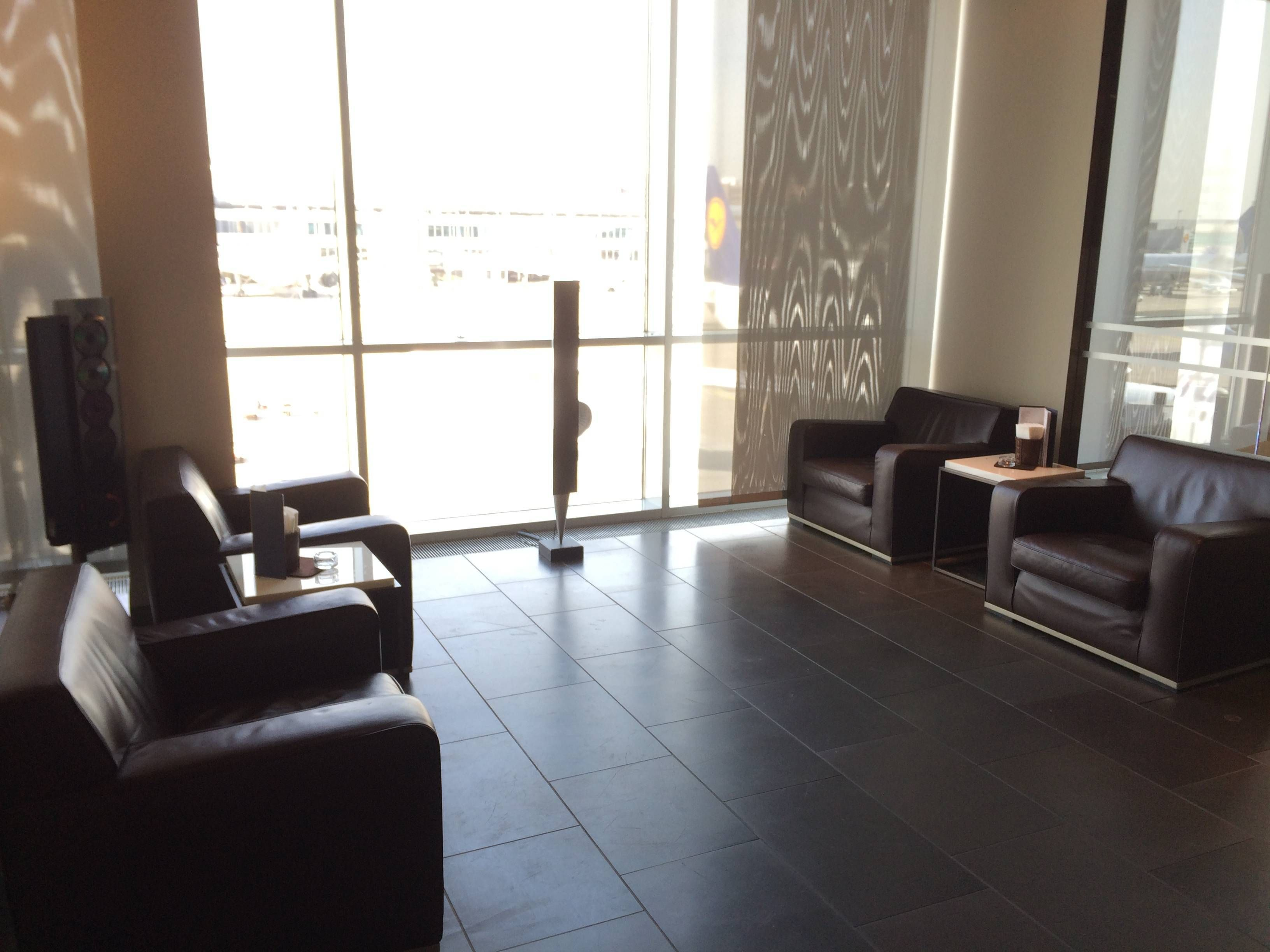 lufthansa first class lounge frankfurt - passageirdeprimeira