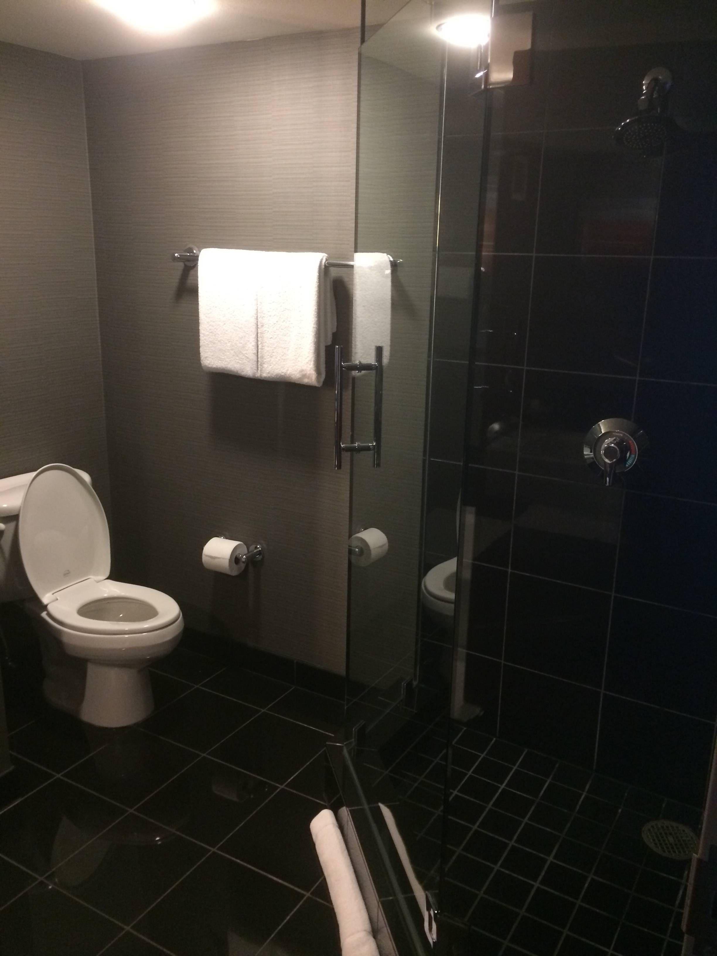 Banheiro Preto E Cinza Banheiro Preto E Bege Banheiros De Luxo Pequeno  #8A6441 2448 3264