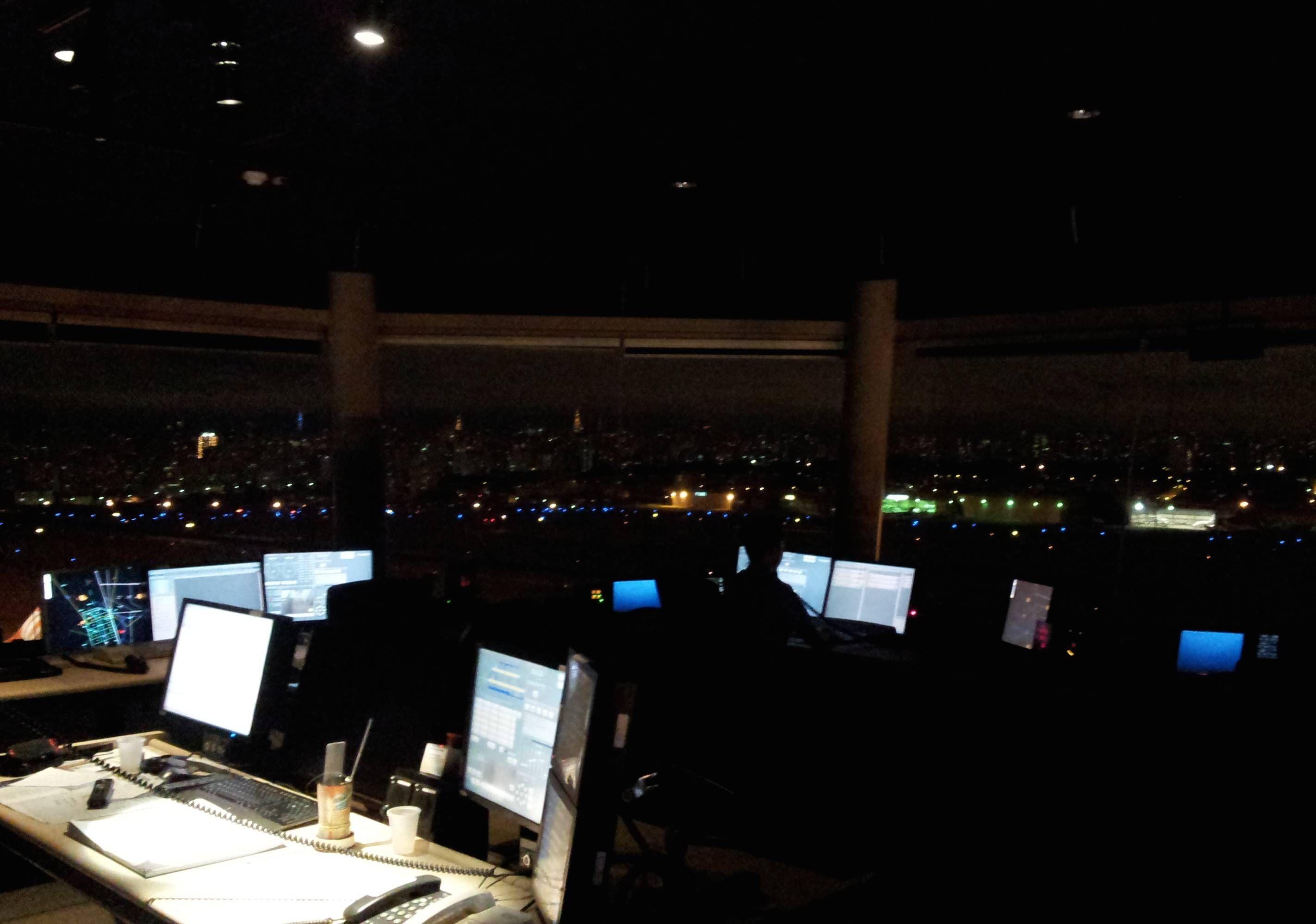 Visita aos bastidores do controle aéreo brasileiro