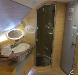 Conheça os bastidores da Primeira Classe da Emirates no A380