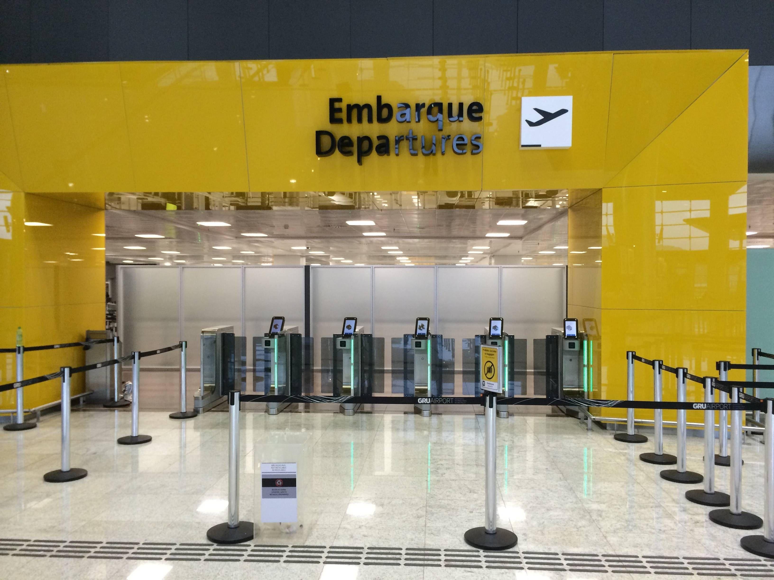 TAM muda para o terminal 3 de Guarulhos semana que vem e fecha salas vips