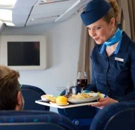 Conheça mais detalhes do serviço de bordo internacional da Azul