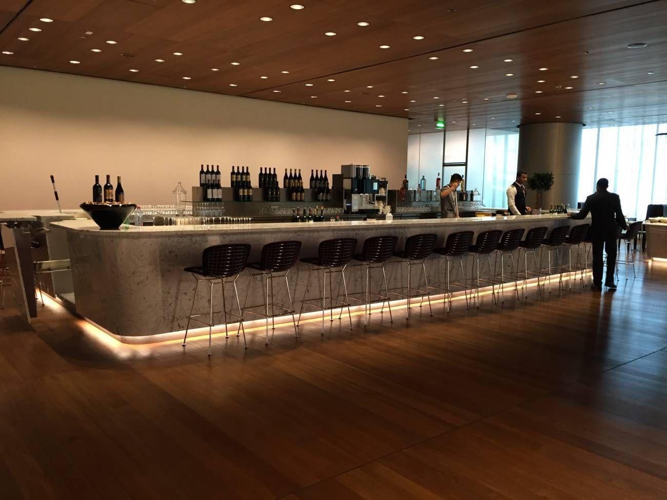 Sala VIP Al Mourjan Business Class da Qatar Airways – Aeroporto de  #9D6B2E 1300 974