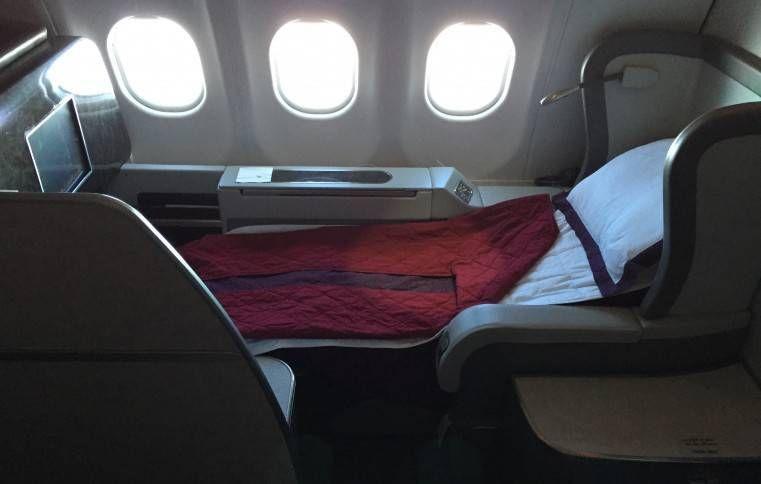 Primeira Classe da Qatar Airways no A340