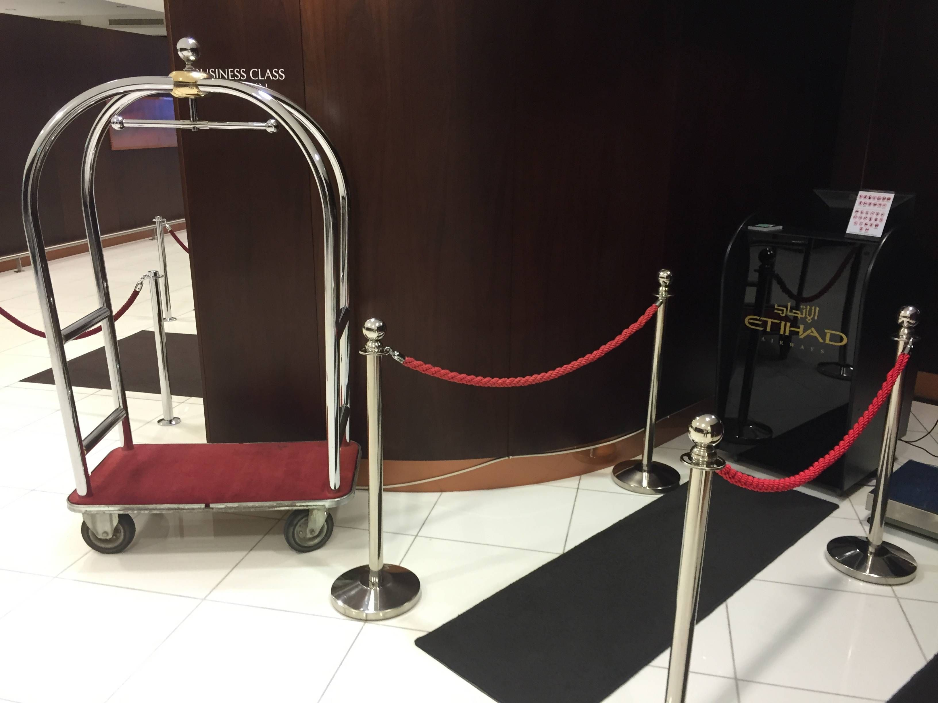 Etihad Premium Check-in Abu Dhabi Passageirodeprimeira5