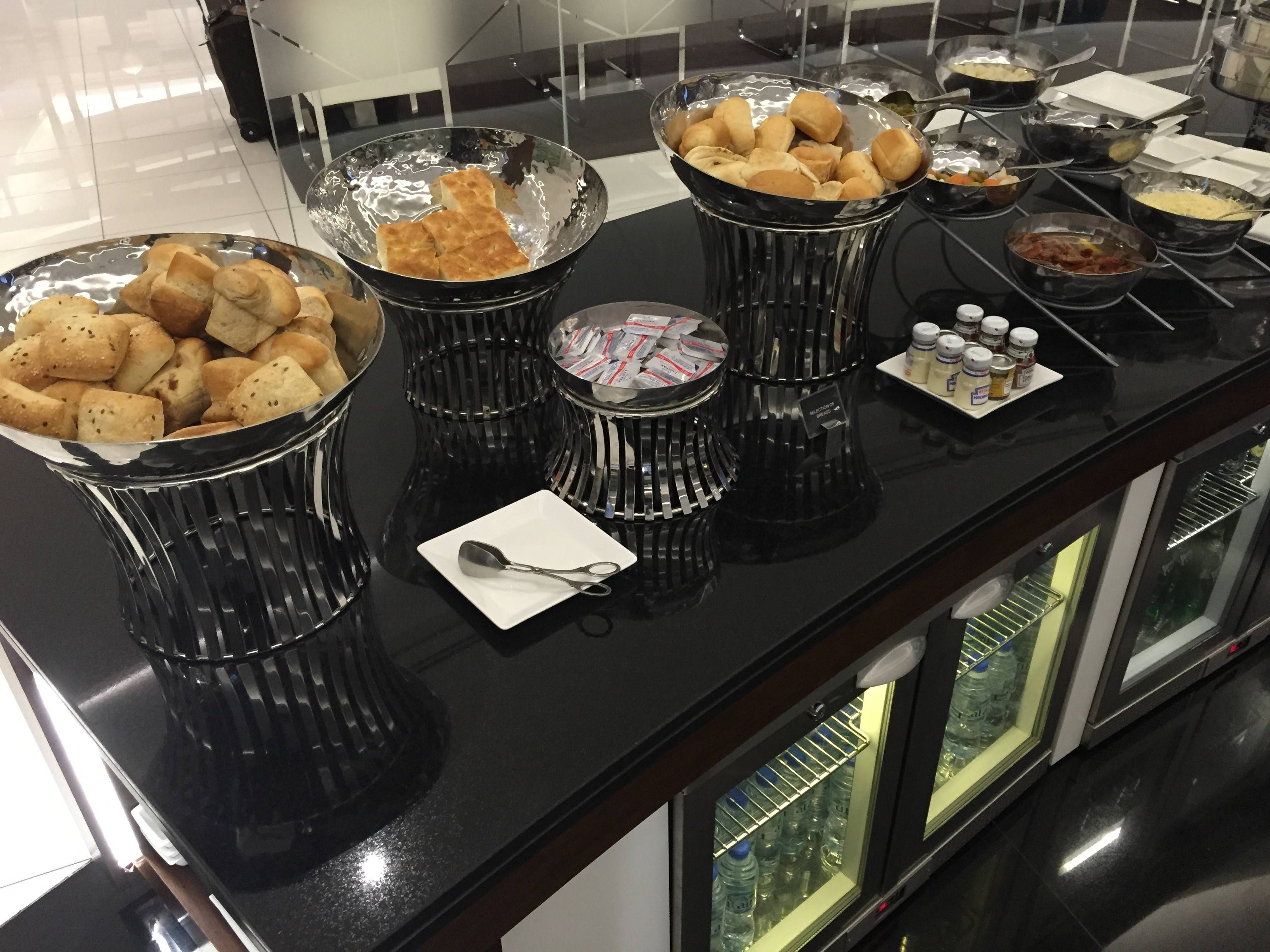 Etihad Premium Lounge Abu Dhabi - Passageiro de Primeira10