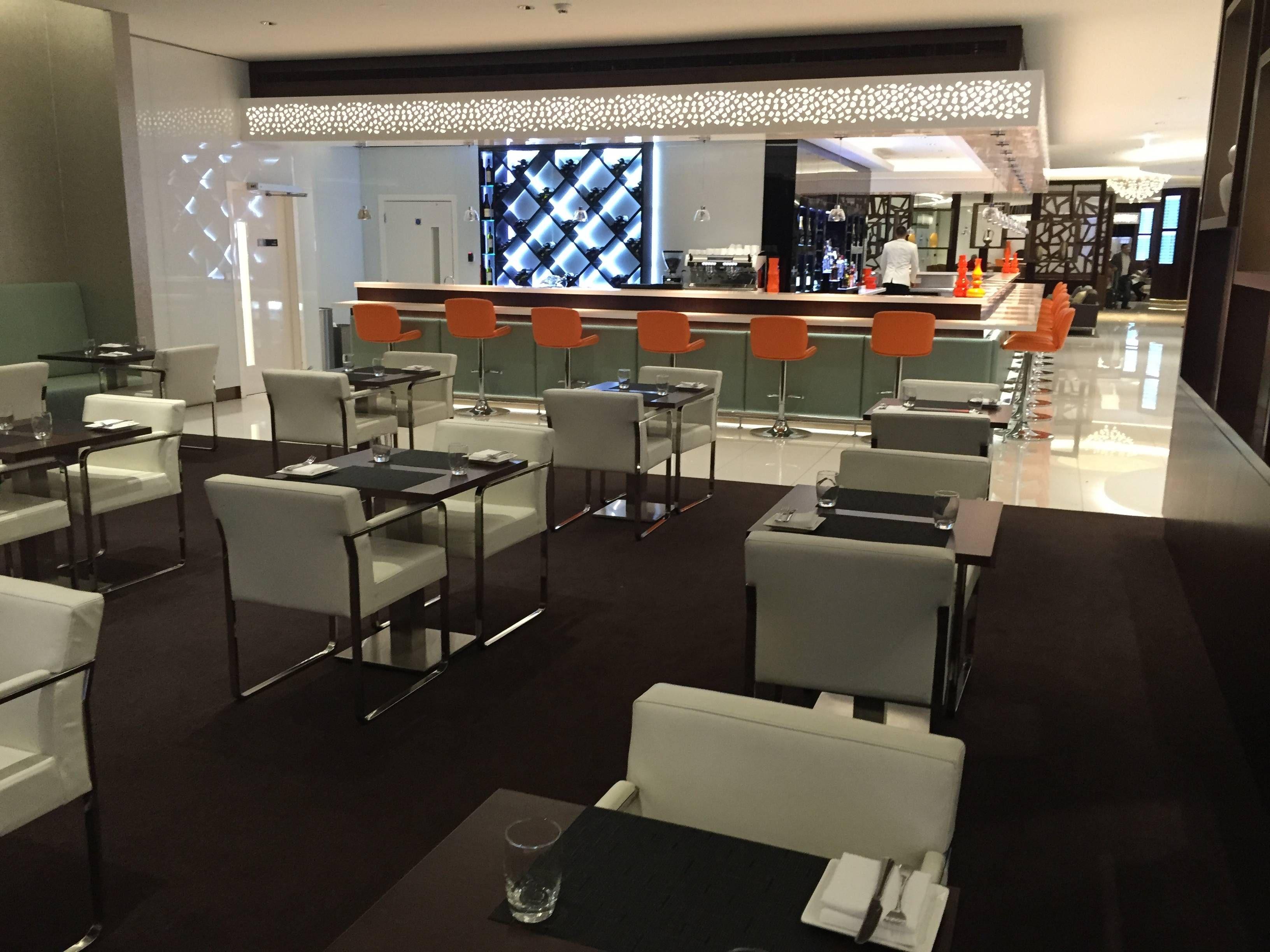 Etihad Premium Lounge Abu Dhabi - Passageiro de Primeira22