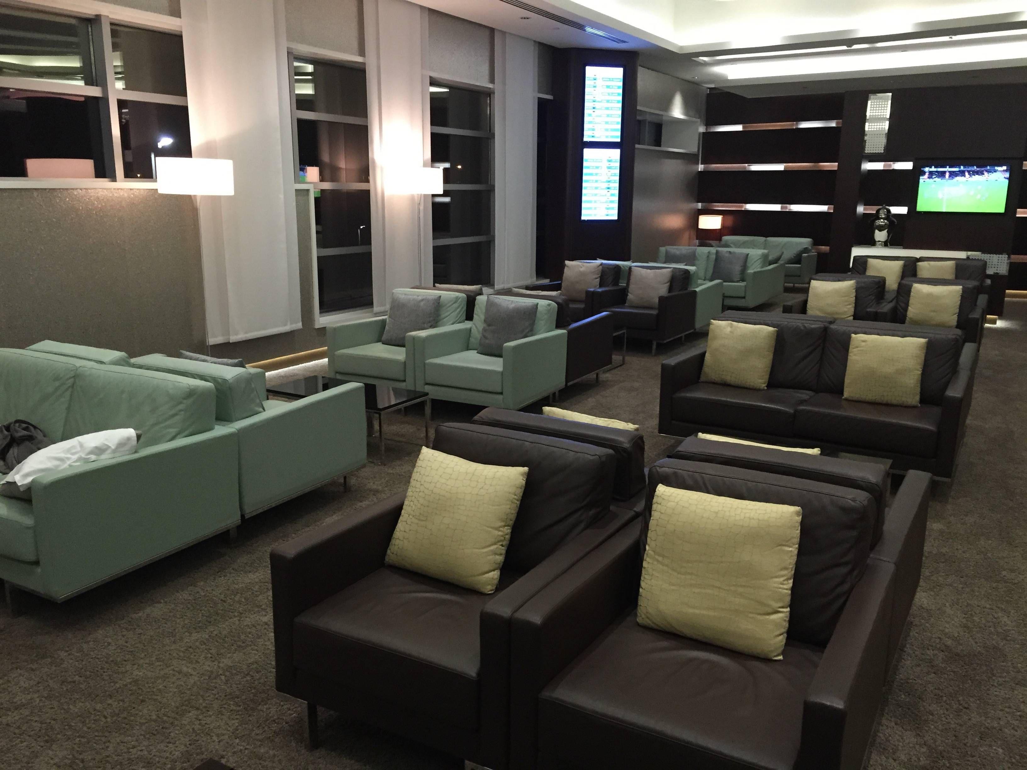 Etihad Premium Lounge Abu Dhabi - Passageiro de Primeira29