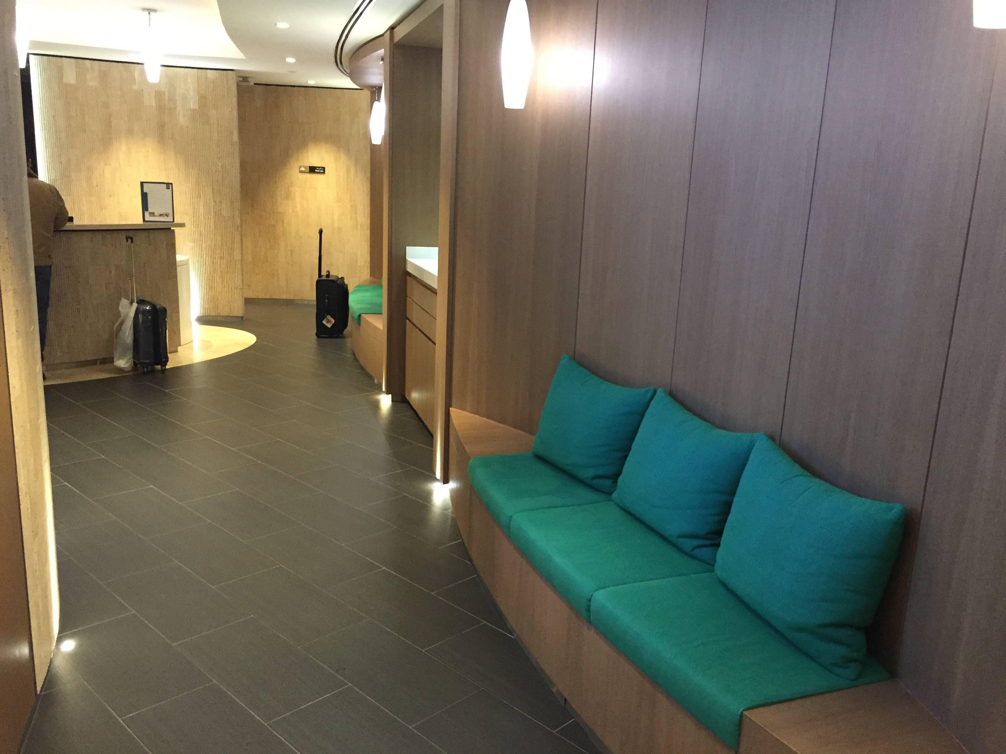 Etihad Premium Lounge Abu Dhabi - Passageiro de Primeira41