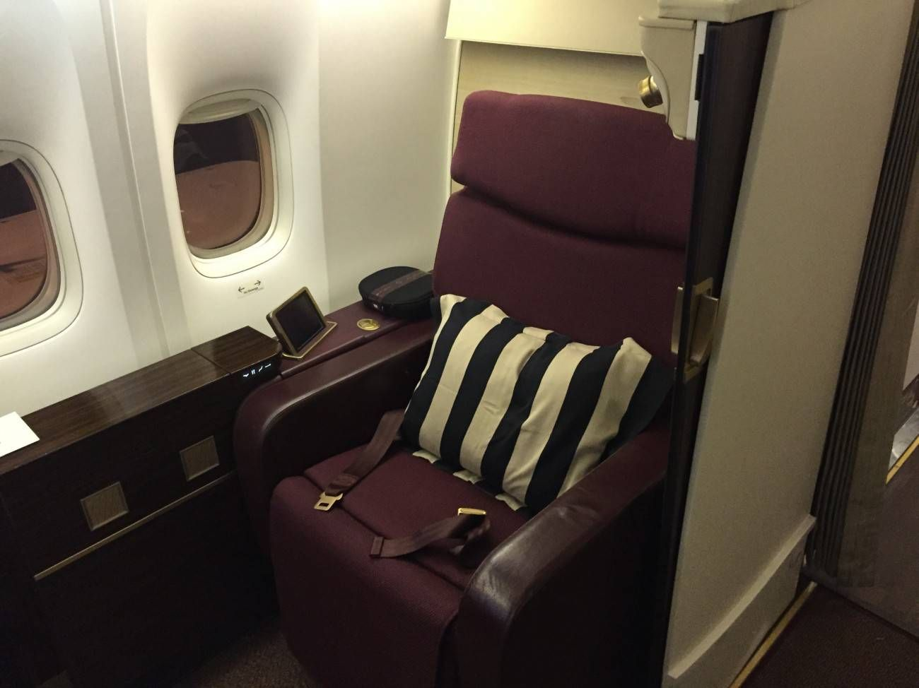 Jet Airways B777 First Class Etihad Passageiro de Primeira-01