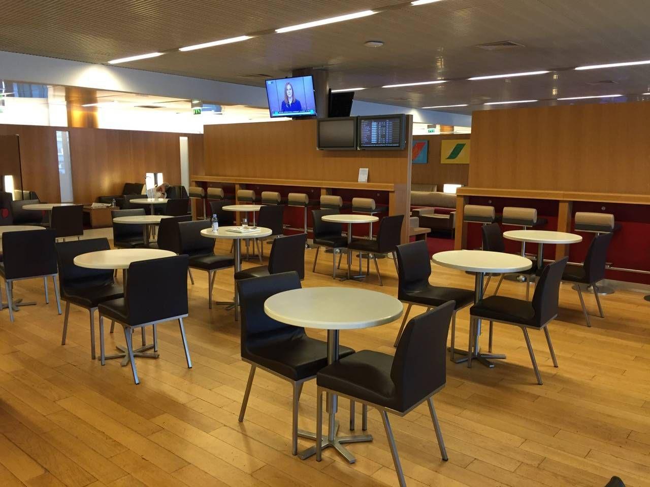 Air France Lounge Paris Terminal 2E-012