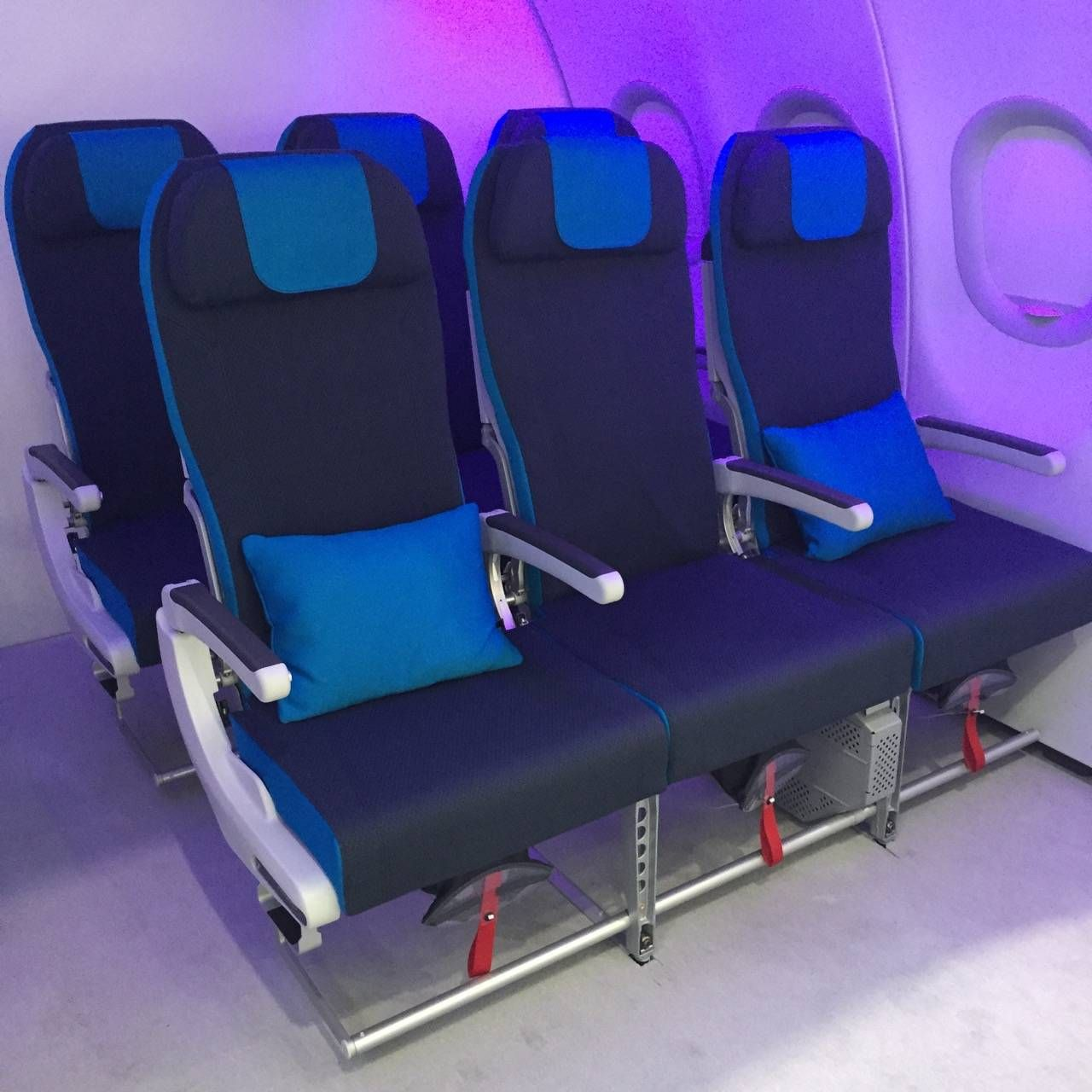 Aircraft Interiors Expo 2015-012