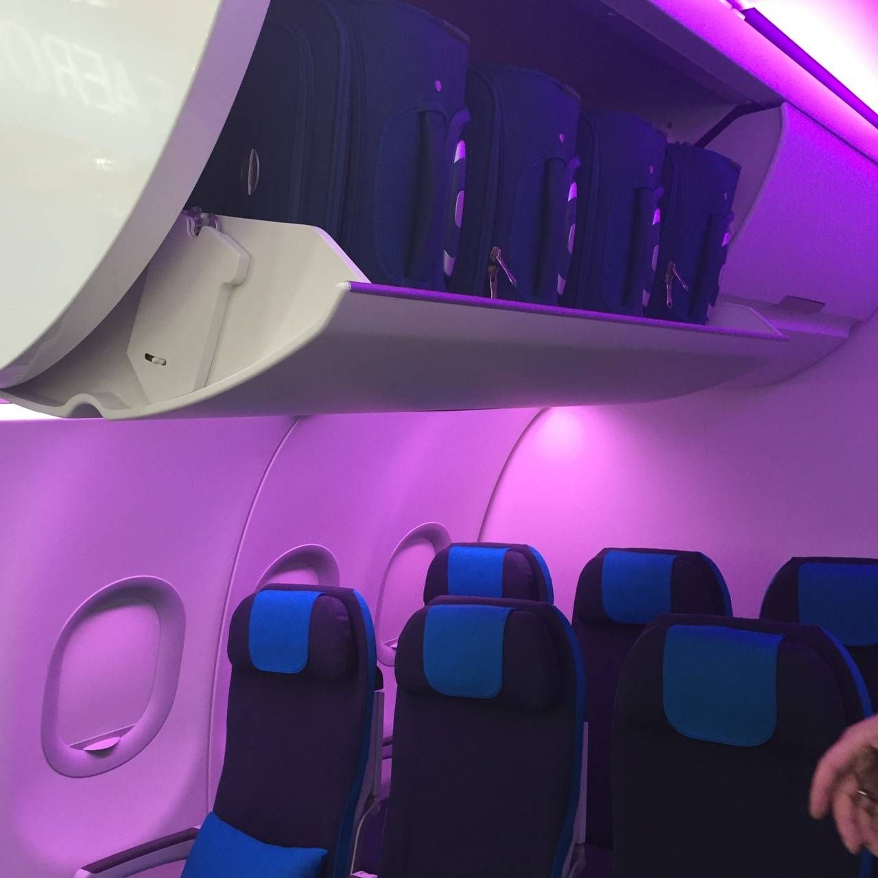 Aircraft Interiors Expo 2015-014