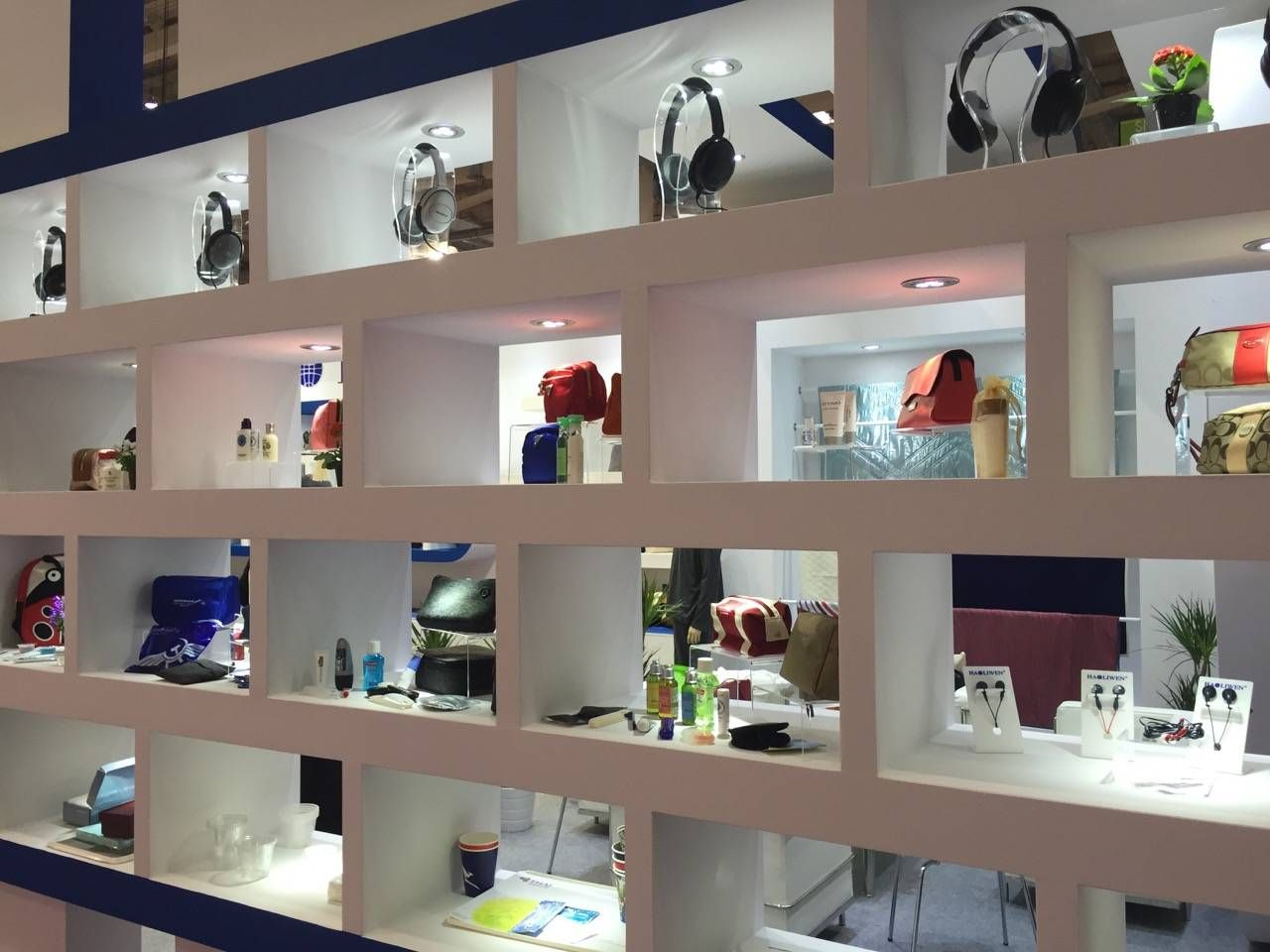 Aircraft Interiors Expo 2015-032