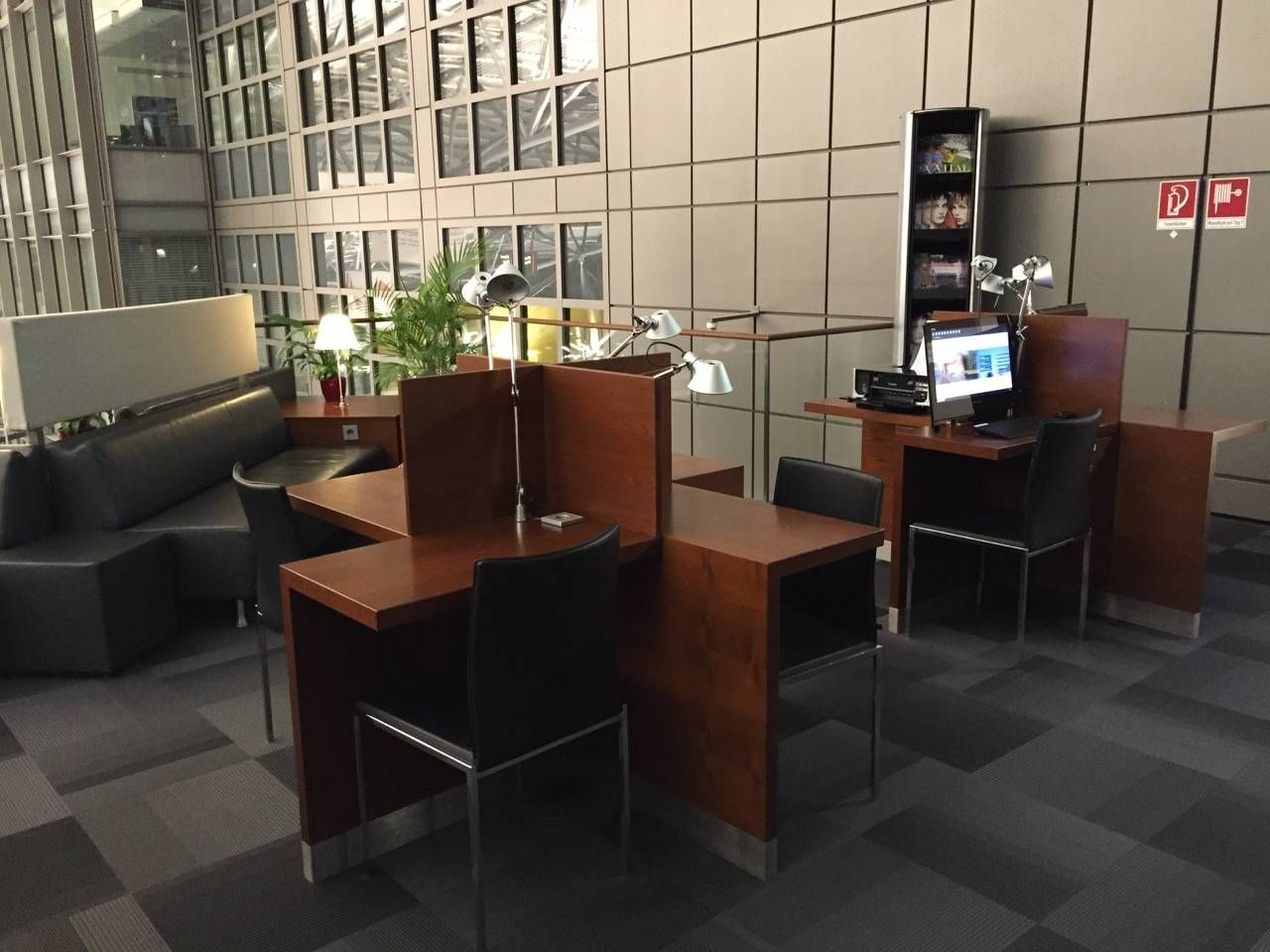 Hamburg Airport Lounge -015