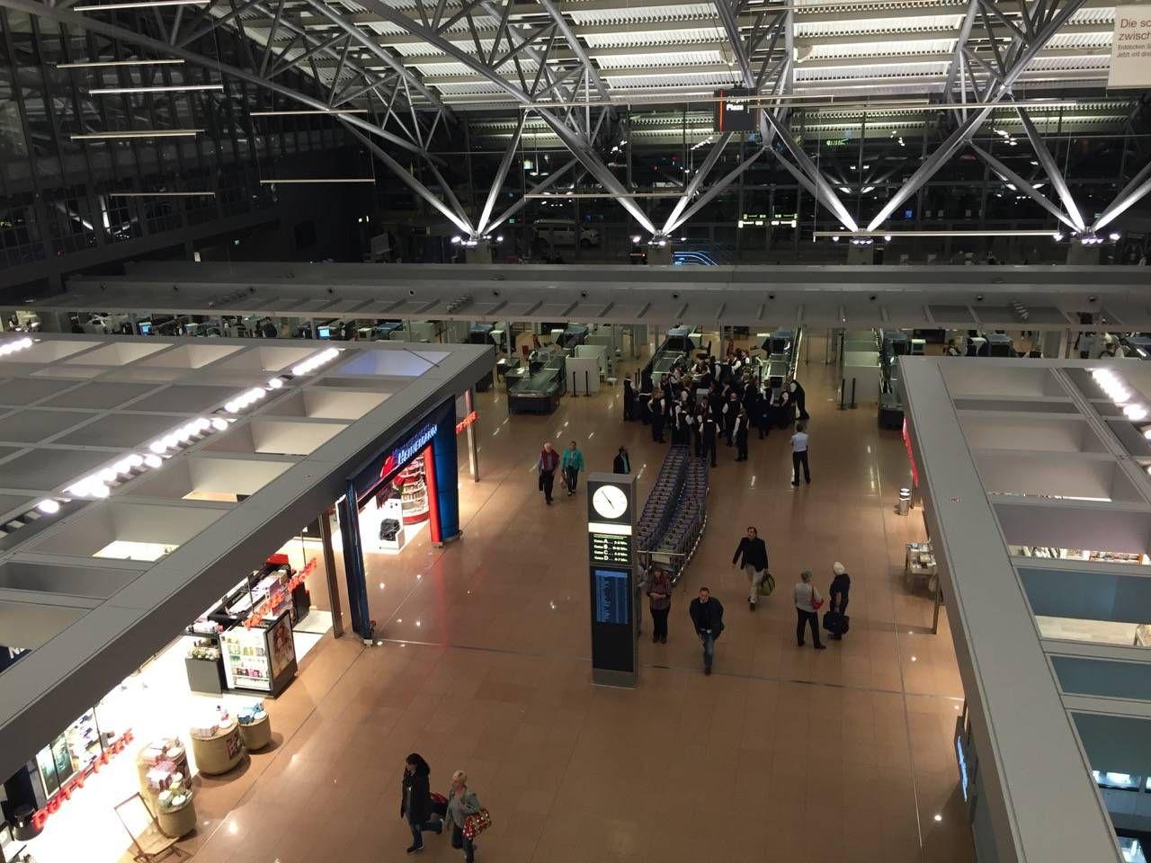 Hamburg Airport Lounge -04