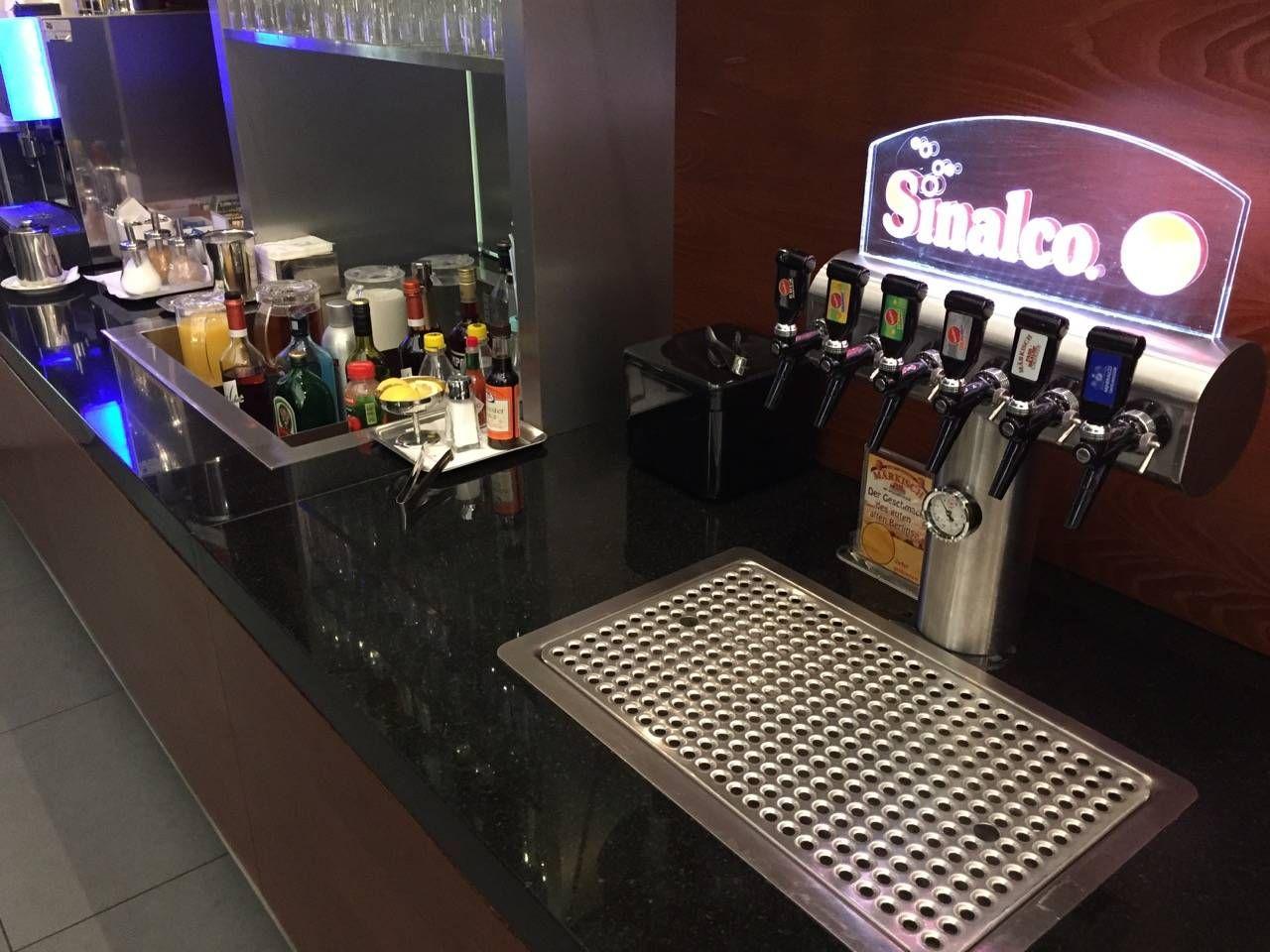 Hamburg Airport Lounge -07