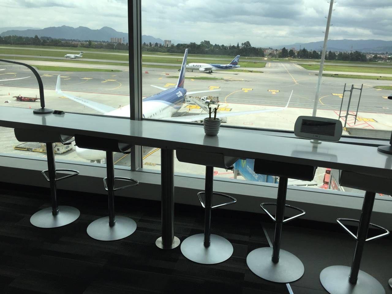 Avianca Lounge Bogota -023