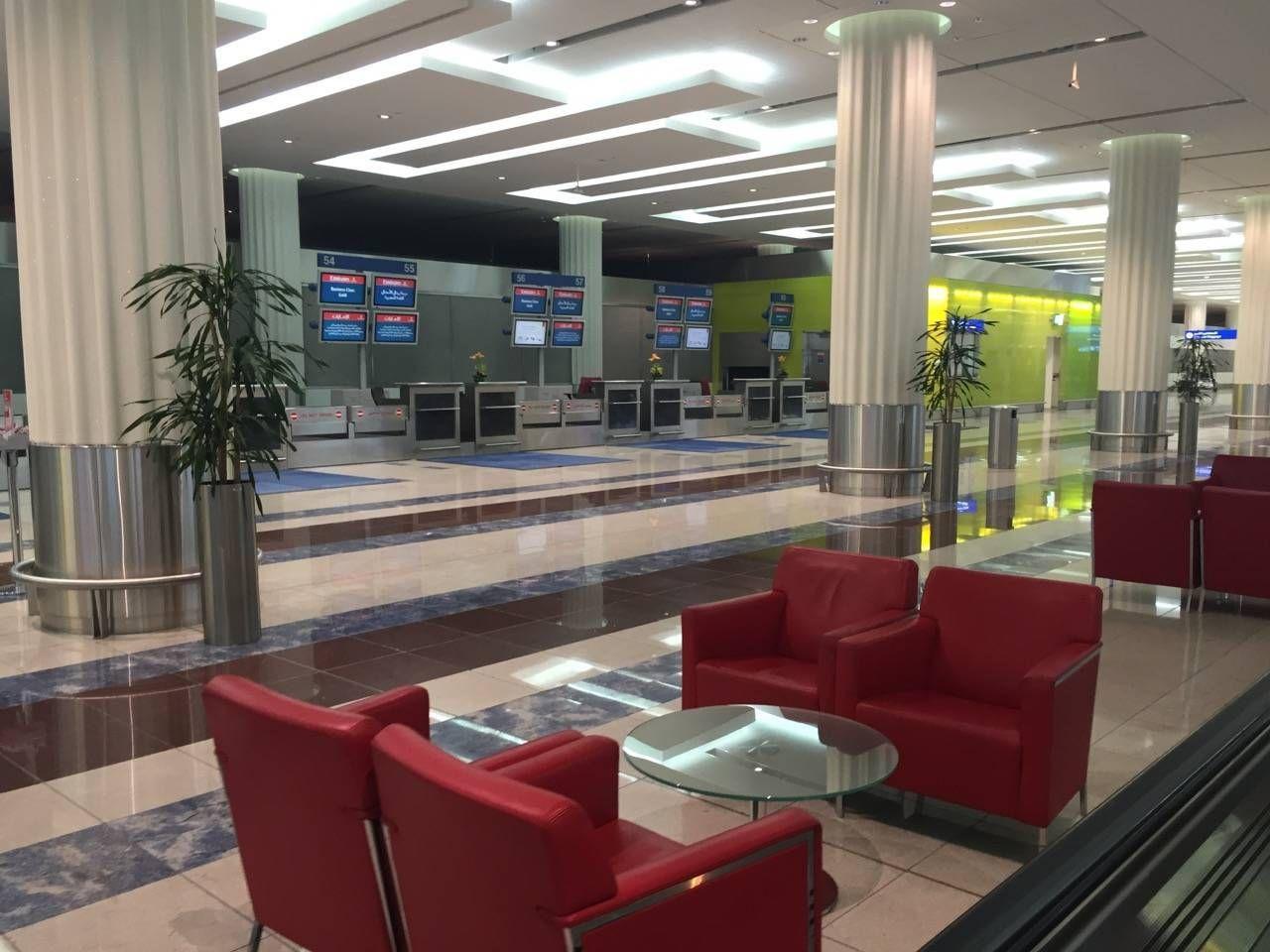 Emirates First Class Lounge Dubai -013