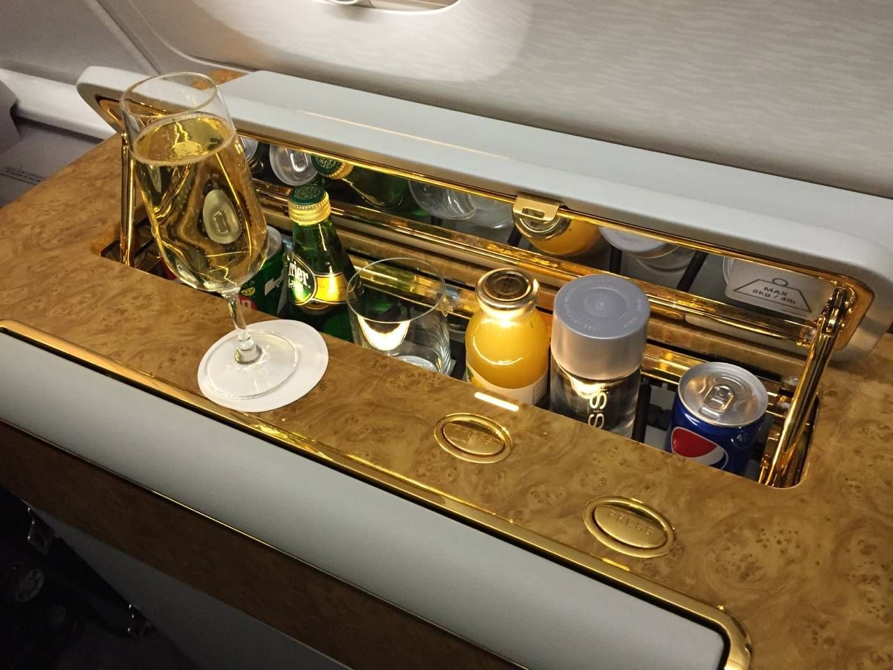 Emirates First Class PVG-DXB-016