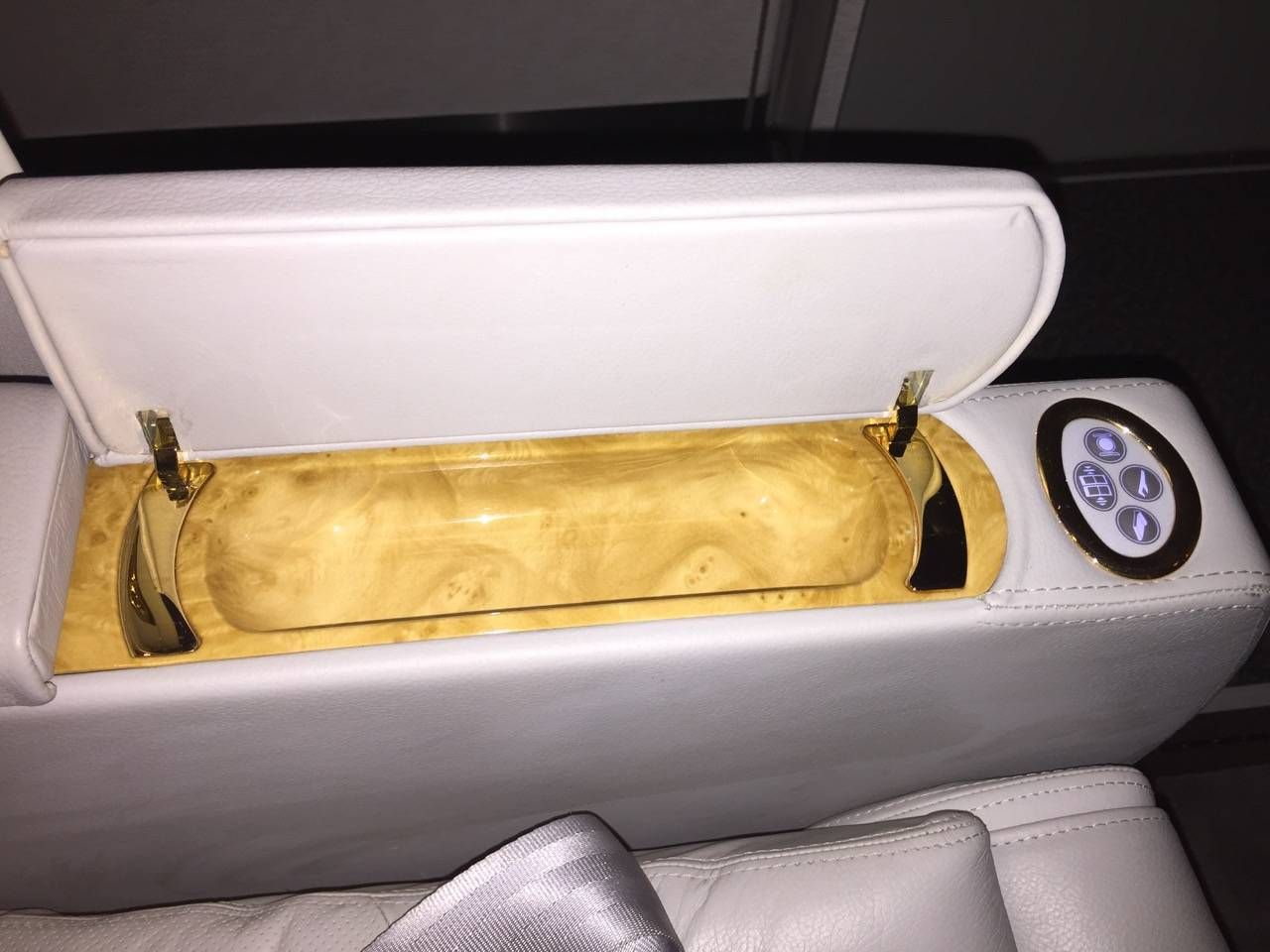 Emirates First Class PVG-DXB-043