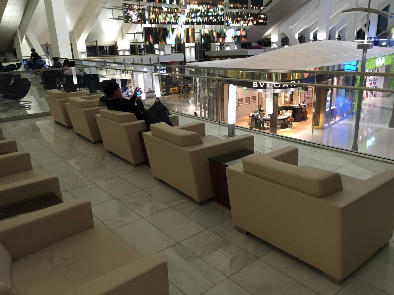 Korean Air First Class Lounge LAX -01