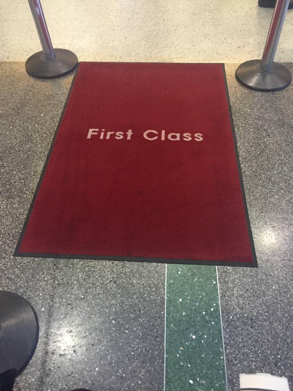 Korean Air First Class Lounge LAX -021