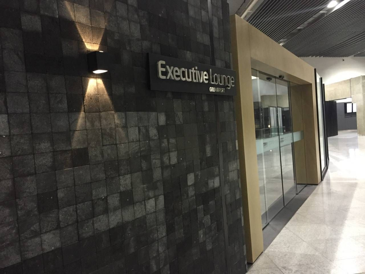 Gru Executive Lounge-03
