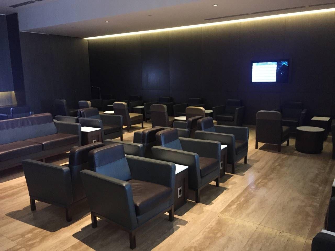 LATAM SCL VIP Lounge-02