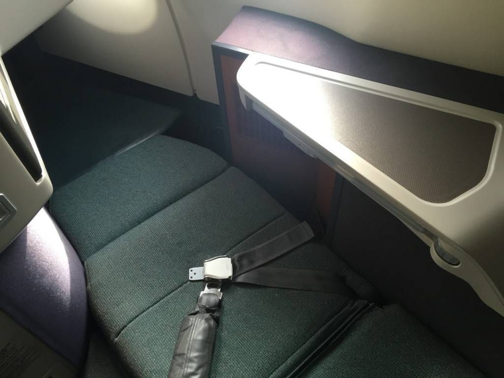 Cathay Pacific A330 Business Class-015