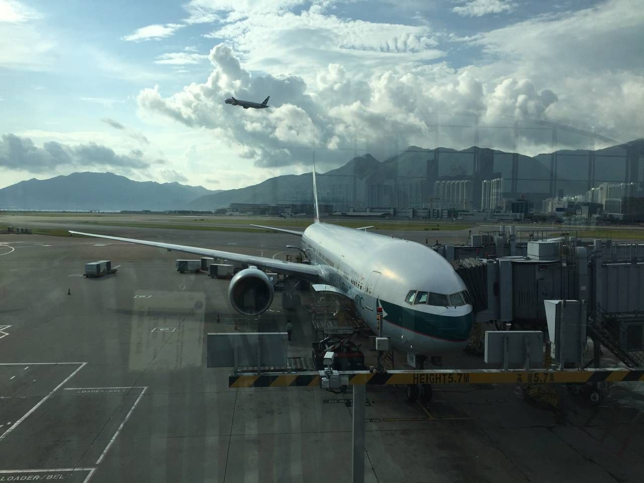 Cathay Pacific B773 First Class-017