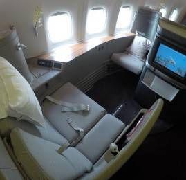 Primeira Classe da Cathay Pacific no B777-300ER – Hong Kong para Tóquio