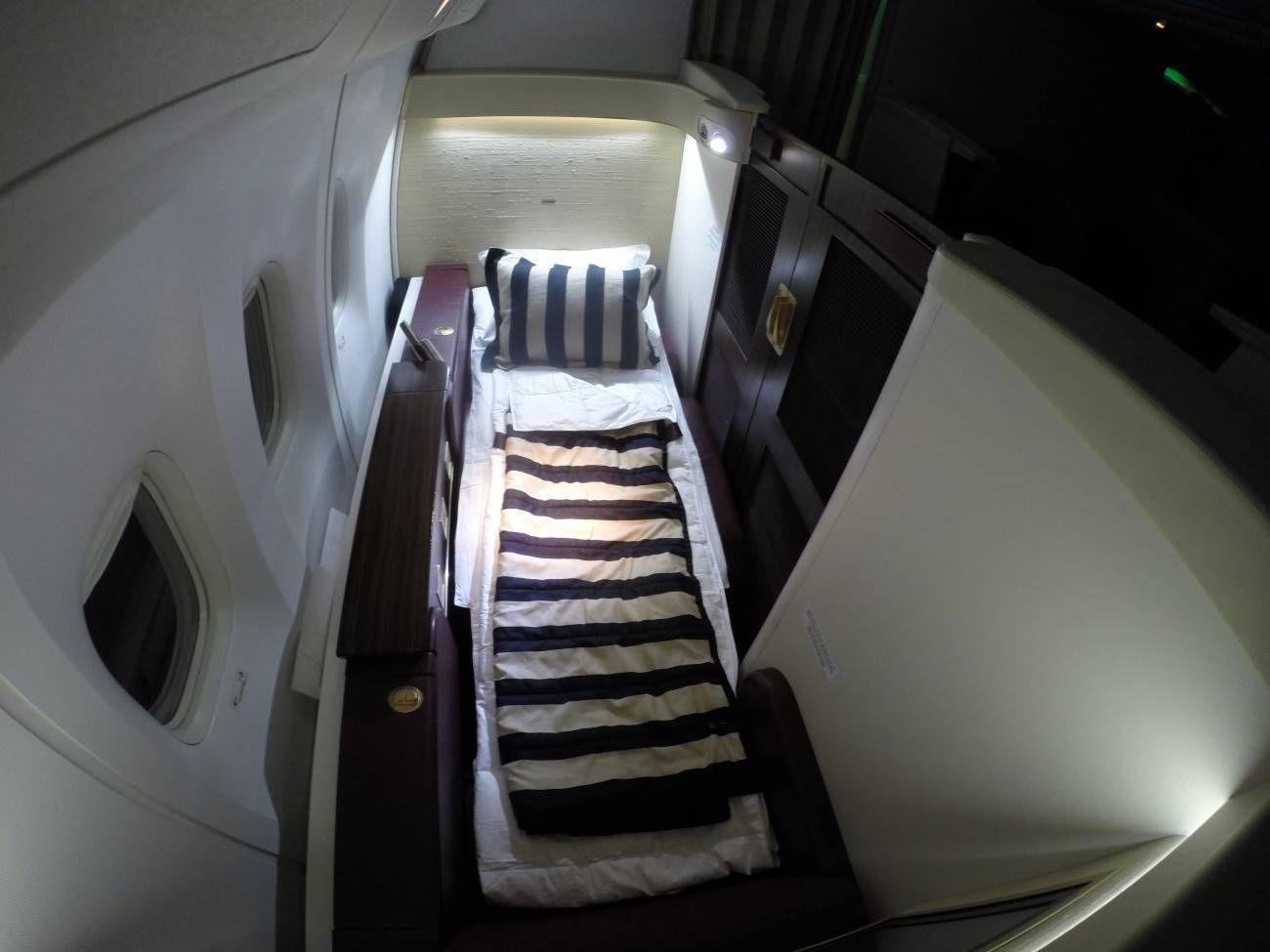 Jet-Airways-B777-First-Class-Etihad-Passageiro-de-Primeira-44-1300x975