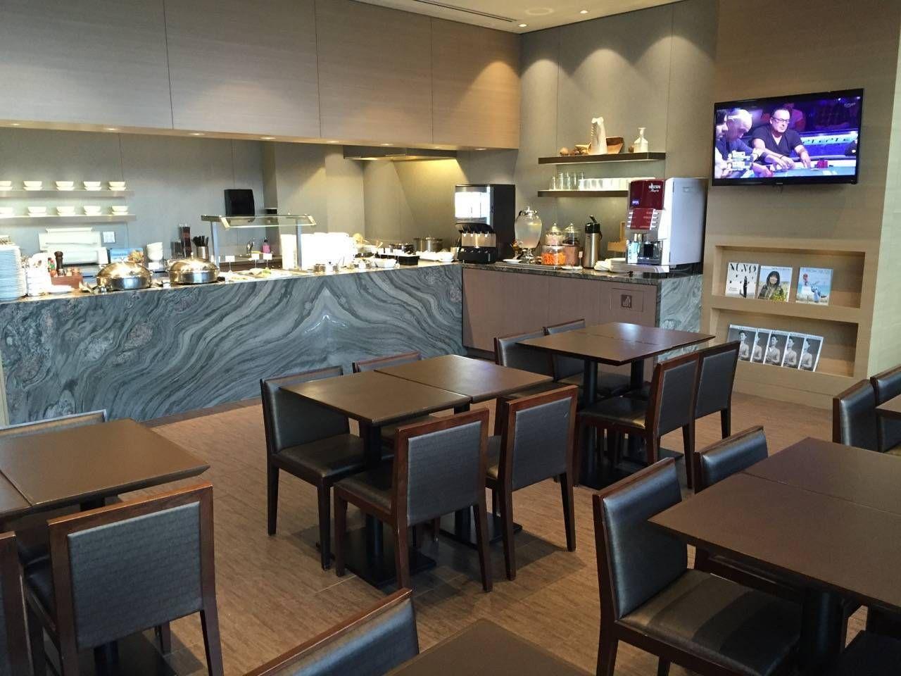 Plaza Premium Lounge Vancouver-011