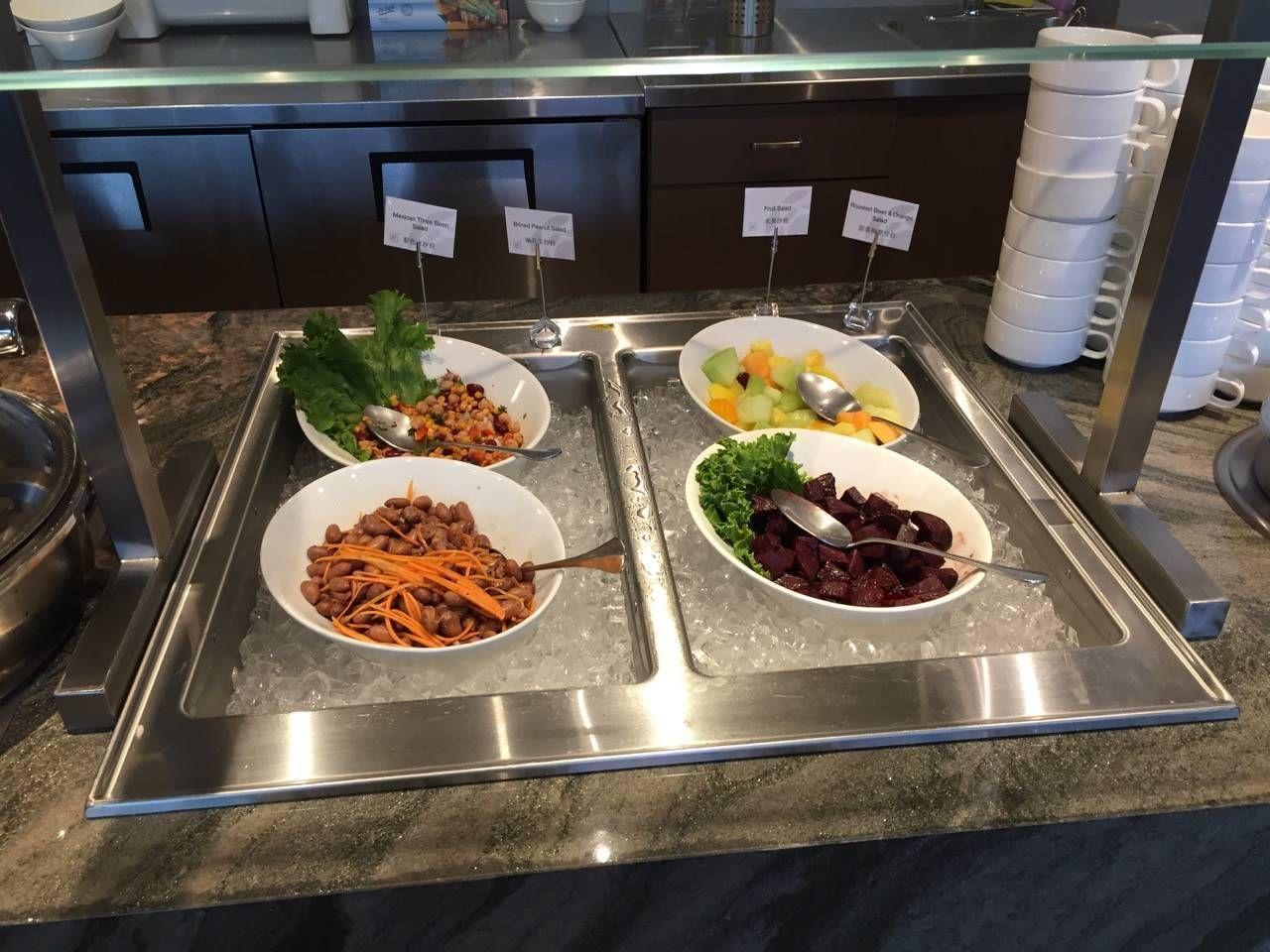 Plaza Premium Lounge Vancouver-013