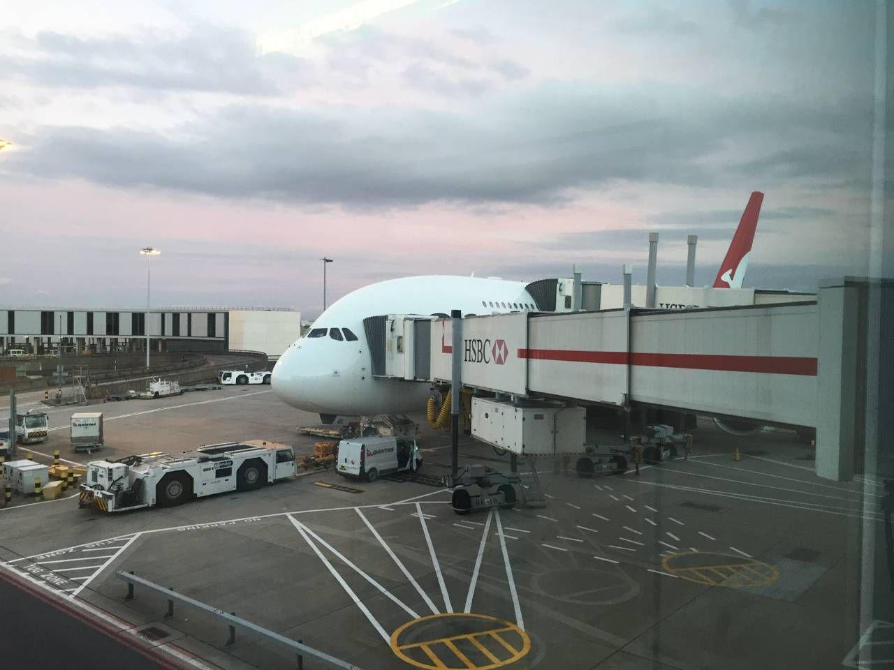 Qantas First Class A380-020