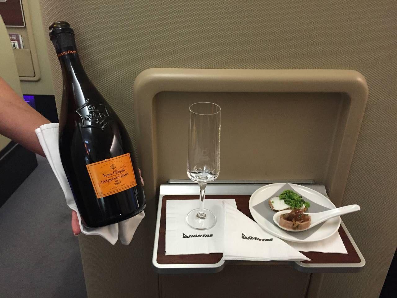 Qantas First Class A380-022