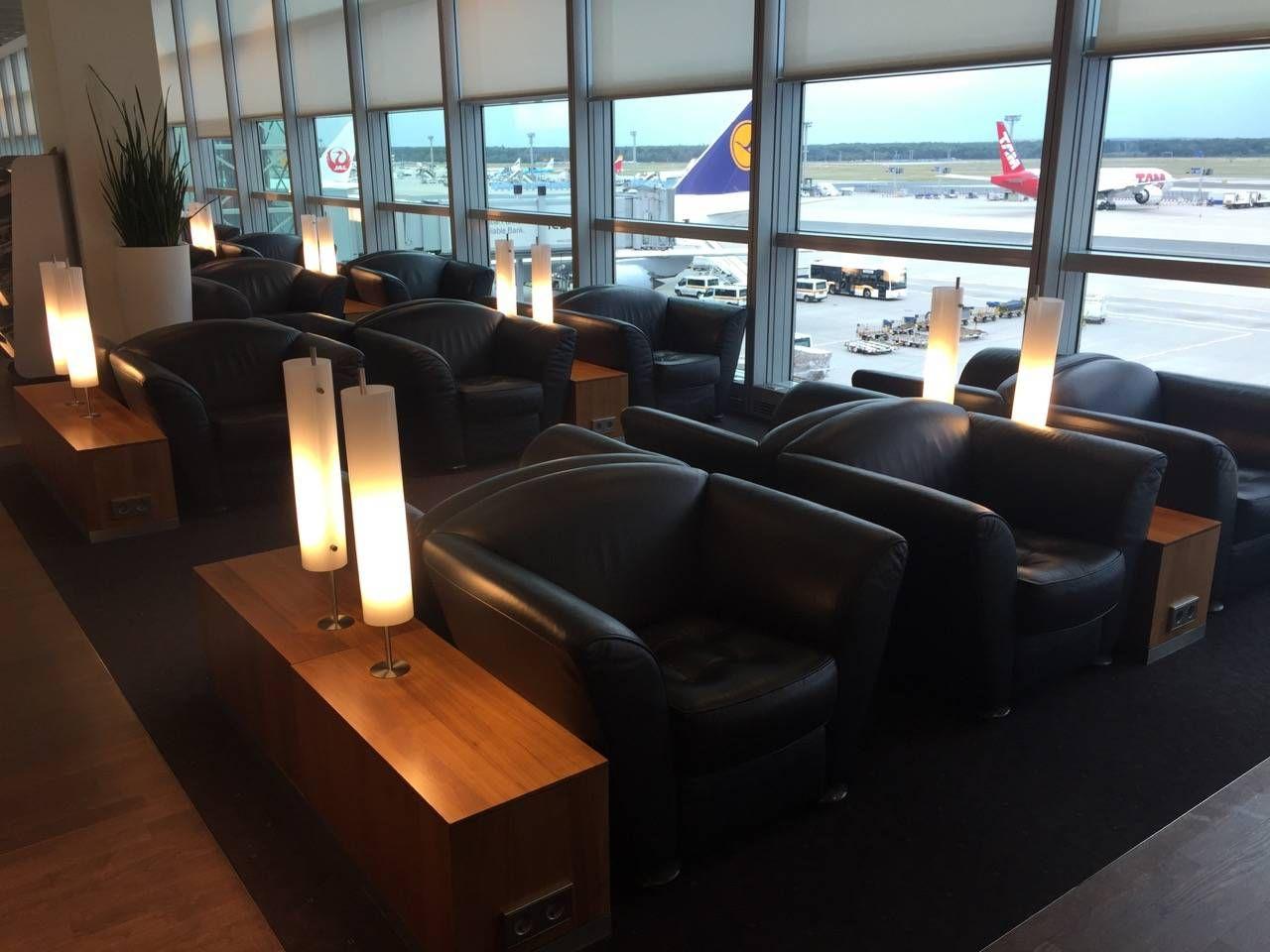 Lufthansa Senator Lounge Frankfurt C15-04