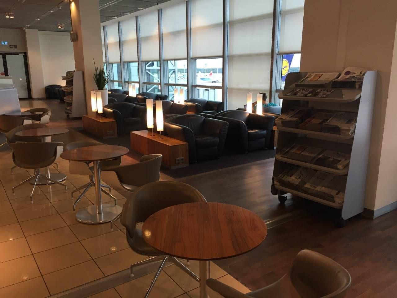 Lufthansa Senator Lounge Frankfurt C15-06